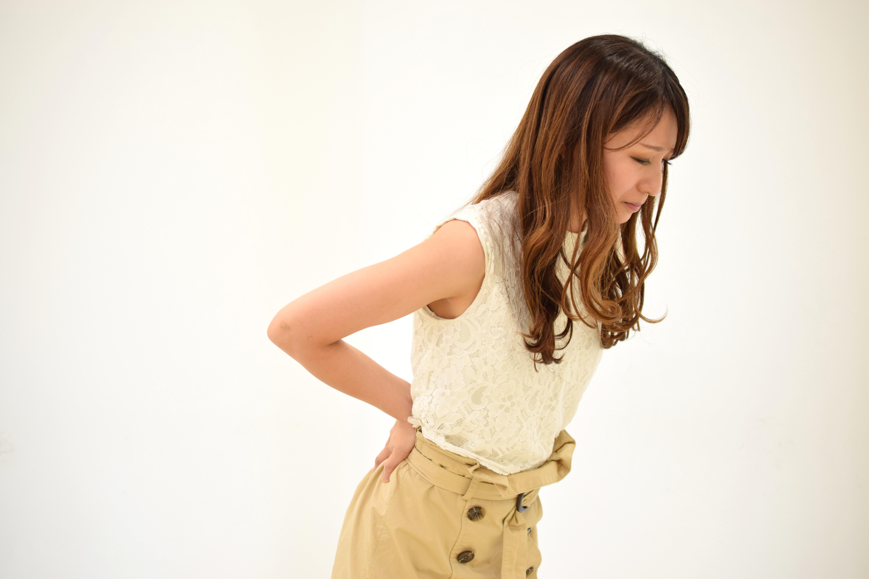 秦野市アロマサロン腰痛の女性